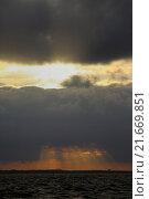 Wismar, Germany, dramatic cloudy sky over the Baltic Sea. Стоковое фото, агентство Caro Photoagency / Фотобанк Лори