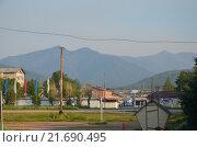 Город Байкальск на фоне гор Хамар-Дабан (2015 год). Редакционное фото, фотограф Виталий Балакин / Фотобанк Лори