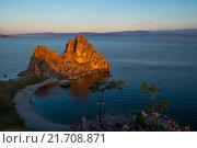Скала Шаманка на рассвете (мыс Бурхан) Стоковое фото, фотограф Иван Рочев / Фотобанк Лори
