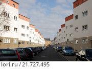 Купить «Frankfurt, Germany, in the settlement Mehrfamilienhaeuser Bruchfeldstrasse», фото № 21727495, снято 22 марта 2015 г. (c) Caro Photoagency / Фотобанк Лори