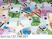 Купить «Банкноты евро», фото № 21748051, снято 8 декабря 2014 г. (c) Юлия Белоусова / Фотобанк Лори
