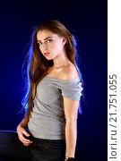 Купить «Портрет девушки», фото № 21751055, снято 25 декабря 2015 г. (c) Стивен Жингель / Фотобанк Лори