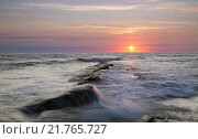 Купить «Морской пейзаж на закате», фото № 21765727, снято 13 июня 2009 г. (c) Анна Костенко / Фотобанк Лори