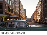 Berlin, Germany, Nobel limousine parked at the Taubenstrasse (2011 год). Редакционное фото, агентство Caro Photoagency / Фотобанк Лори