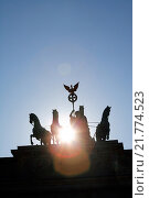 Купить «Berlin, Germany, the Quadriga on the Brandenburg Gate», фото № 21774523, снято 19 апреля 2009 г. (c) Caro Photoagency / Фотобанк Лори