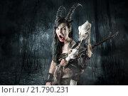 Купить «Faun sorceress with big horns in a forest», фото № 21790231, снято 21 апреля 2019 г. (c) PantherMedia / Фотобанк Лори