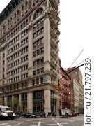 Купить «New York City, USA, narrow house in Broome Street in Manhattan», фото № 21797239, снято 27 октября 2015 г. (c) Caro Photoagency / Фотобанк Лори