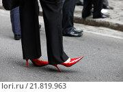 Купить «People standing on Wall Street, New York City, United States of America», фото № 21819963, снято 13 октября 2008 г. (c) Caro Photoagency / Фотобанк Лори