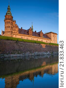 Купить «Denmark, Zealand, Helsingor, Kronborg Castle, also known as Elsinore Castle, from Shakespeare's Hamlet.», фото № 21833463, снято 8 мая 2015 г. (c) age Fotostock / Фотобанк Лори