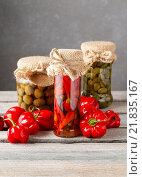 Купить «Pickled red peppers and olives. Healthy food», фото № 21835167, снято 26 марта 2019 г. (c) BE&W Photo / Фотобанк Лори