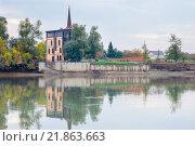 Замок. Берег реки Кубань, г Краснодар. Стоковое фото, фотограф Елена Ганненко / Фотобанк Лори