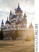 Купить «Fairytale Castle with Lens Flare in Public Cultural Park, Eskisehir», фото № 21882383, снято 22 февраля 2018 г. (c) PantherMedia / Фотобанк Лори