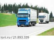 lorry truck on highway road. Стоковое фото, фотограф Дмитрий Калиновский / Фотобанк Лори
