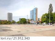 Купить «Высотное офисное здание представительства ООН в Женеве», фото № 21912343, снято 6 мая 2014 г. (c) Parmenov Pavel / Фотобанк Лори