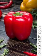 Красный болгарский перец. Стоковое фото, фотограф Александр Каменский / Фотобанк Лори