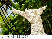 Купить «Статуэтка петуха, Таиланд», эксклюзивное фото № 21921359, снято 22 октября 2015 г. (c) Хайрятдинов Ринат / Фотобанк Лори
