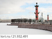 Купить «Вид на гранитную набережную. Зима, Санкт-Петербург», фото № 21932491, снято 17 февраля 2016 г. (c) Сергей Пинаев / Фотобанк Лори