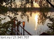 Мостки у бани на озере на турбазе близ города Пустошка. Стоковое фото, фотограф Горбачев Матвей Владимирович / Фотобанк Лори