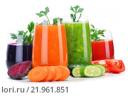 Купить «Glasses with fresh vegetable juices isolated on white», фото № 21961851, снято 20 марта 2019 г. (c) PantherMedia / Фотобанк Лори