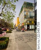 Современные здания у рынка Яшоу в Пекине. Китай. (2011 год). Редакционное фото, фотограф Владимир Чинин / Фотобанк Лори