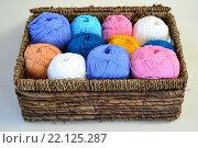 Пряжа для вязания из хлопка цветная. Стоковое фото, фотограф Иванна Кошка / Фотобанк Лори