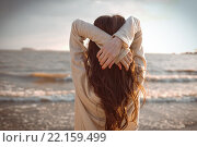 Девушка на берегу моря на закате. Стоковое фото, фотограф Дункель Артем / Фотобанк Лори