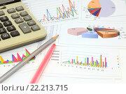 Купить «Калькулятор, графики, диаграммы, фломастер и карандаш. Бизнес-натюрморт», эксклюзивное фото № 22213715, снято 14 марта 2016 г. (c) Юрий Морозов / Фотобанк Лори
