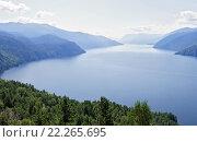 Купить «Вид на Телецкое озеро с горы Чичилган», фото № 22265695, снято 18 августа 2009 г. (c) Круглов Олег / Фотобанк Лори