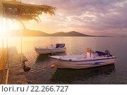 Два катера у причала в заливе Мирабелло. Крит (2013 год). Стоковое фото, фотограф Алексей Лобанов / Фотобанк Лори