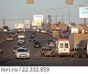 Купить «Пробка на Щелковском шоссе в сторону области», эксклюзивное фото № 22332859, снято 23 марта 2016 г. (c) lana1501 / Фотобанк Лори