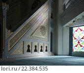 Купить «Интерьер московской соборной мечети», фото № 22384535, снято 28 марта 2016 г. (c) Владимир Журавлев / Фотобанк Лори