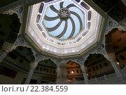 Купить «Интерьер московской соборной мечети», фото № 22384559, снято 28 марта 2016 г. (c) Владимир Журавлев / Фотобанк Лори