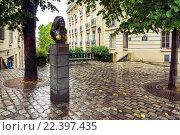 Купить «Памятник певице и актрисе Далиде. Париж. Франция», фото № 22397435, снято 20 августа 2015 г. (c) Илья Бесхлебный / Фотобанк Лори
