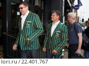 Купить «The South African rugby team, who won the World Cup in 1995, arrive at Chicago Rib Shack in London to treat fans before their World Cup semi-final match...», фото № 22401767, снято 24 октября 2015 г. (c) age Fotostock / Фотобанк Лори