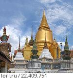 Купить «Таиланд. Бангкок. Королевский дворец.», фото № 22409751, снято 11 августа 2015 г. (c) Евгений Тиняков / Фотобанк Лори