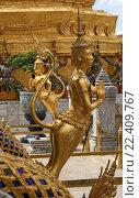 Купить «Таиланд. Бангкок. Королевский дворец.», фото № 22409767, снято 11 августа 2015 г. (c) Евгений Тиняков / Фотобанк Лори