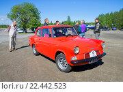 Купить «Автомобиль Ford Anglia 105E - участник парада ретроавтомобилей в Керимяки. Финляндия», фото № 22442523, снято 6 июня 2015 г. (c) Виктор Карасев / Фотобанк Лори