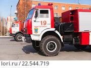Купить «Пожарная машина», фото № 22544719, снято 9 апреля 2016 г. (c) EugeneSergeev / Фотобанк Лори