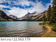 Купить «Bow Lake in Banff National Park, Alberta, Canada.», фото № 22563179, снято 26 июня 2013 г. (c) age Fotostock / Фотобанк Лори