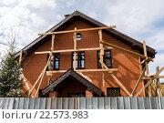Строящийся загородный дом. Стоковое фото, фотограф Володина Ольга / Фотобанк Лори
