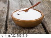 Sugar in a wooden bowl. Стоковое фото, фотограф Елена Блохина / Фотобанк Лори