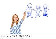 Купить «girl drawing family in the air», фото № 22703147, снято 31 июля 2013 г. (c) Syda Productions / Фотобанк Лори