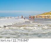 Песчаный пляж на Атлантическом побережье Франции у Lacanau-Ocean (2009 год). Стоковое фото, фотограф Виктор Андреев / Фотобанк Лори
