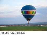 Купить «Вечерний полет на воздушном шаре», фото № 22755827, снято 3 мая 2016 г. (c) Елена Коромыслова / Фотобанк Лори
