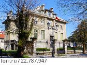 Купить «Посольство Франции в Черногории, город Цетине», эксклюзивное фото № 22787947, снято 10 апреля 2016 г. (c) Артём Крылов / Фотобанк Лори
