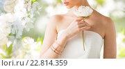 Купить «close up of beautiful woman with ring and bracelet», фото № 22814359, снято 9 апреля 2016 г. (c) Syda Productions / Фотобанк Лори