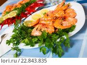 Купить «Delicious Mediterranean seafood shrimps and crawfish close up», фото № 22843835, снято 24 февраля 2020 г. (c) Яков Филимонов / Фотобанк Лори