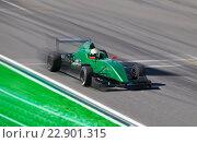 Купить «Автомобиль Formula 2», фото № 22901315, снято 29 июня 2014 г. (c) Алексей Кузнецов / Фотобанк Лори