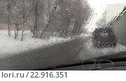 Зимний дождь. Стоковое видео, видеограф Евгений Пивоваров / Фотобанк Лори