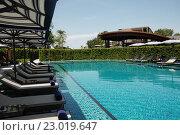 Купить «Бассейн в отеле Таиланда», фото № 23019647, снято 21 мая 2016 г. (c) Tamara Sushko / Фотобанк Лори